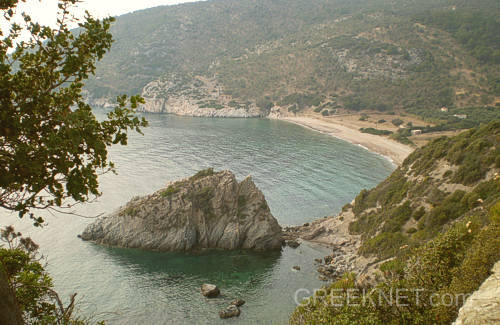 There are numerous sand and pebble beaches and many sheltered and isolated coves dotted along the spectacular indented coastline - Griechishe insel von Lesbos